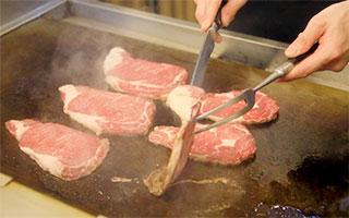 鉄板焼き・天麩羅・寿司のライブキッチン